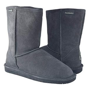 NWT Bearpaw Emma Short Shearling Boot Gray